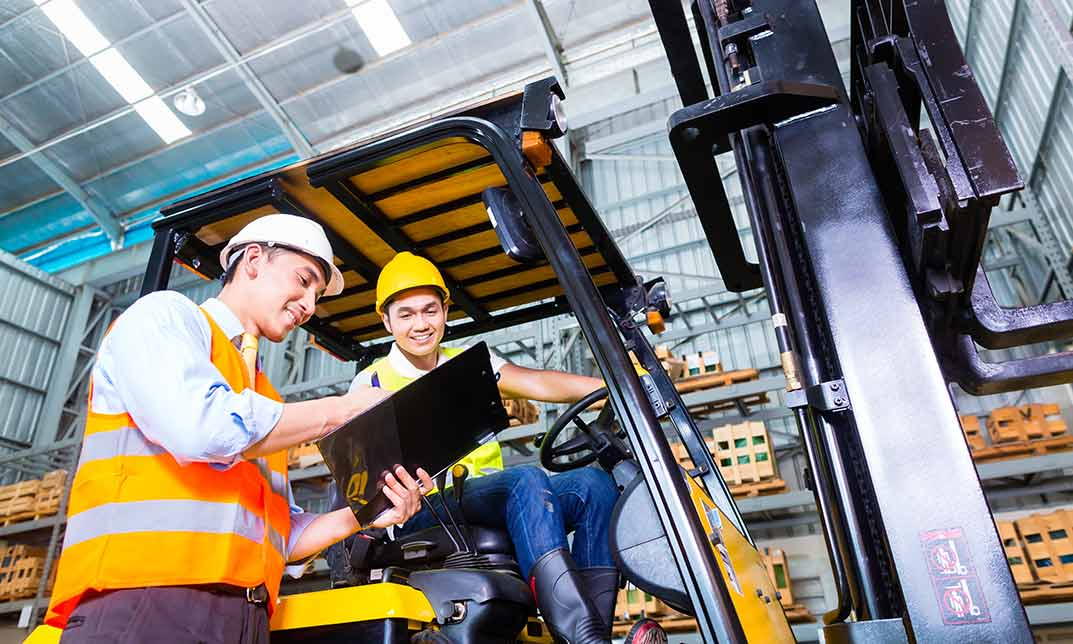 Forklift Safety: Industrial Counterbalance Lift Trucks Interactive Training